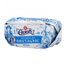 Masło z Bretanii, miękkie. Zawartość tłuszczu 82%.