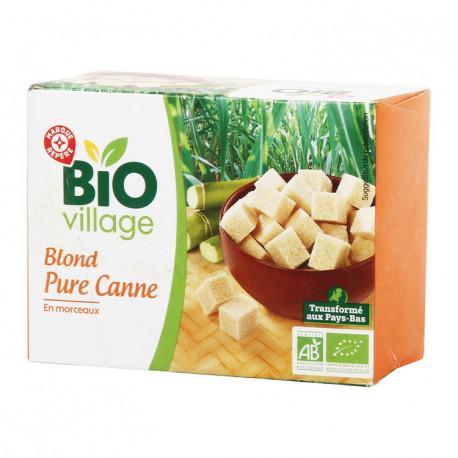 Ekologiczny cukier trzcinowy w kostkach. Produkt rolnictwa ekologicznego.