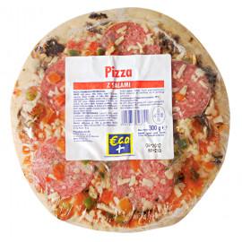 Pizza z salami - kiełbasą wieprzową wędzoną z dodatkiem pieczarek, na podpieczonym spodzie. Produkt głęboko mrożony