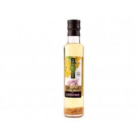 Wielkopolski Aromatyzowany olej rzepakowy z cząstkami czosnku 250 ml